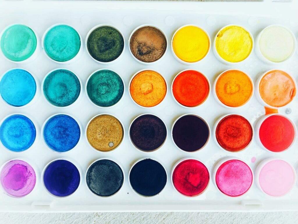 Palette with a variety of shades of colors.