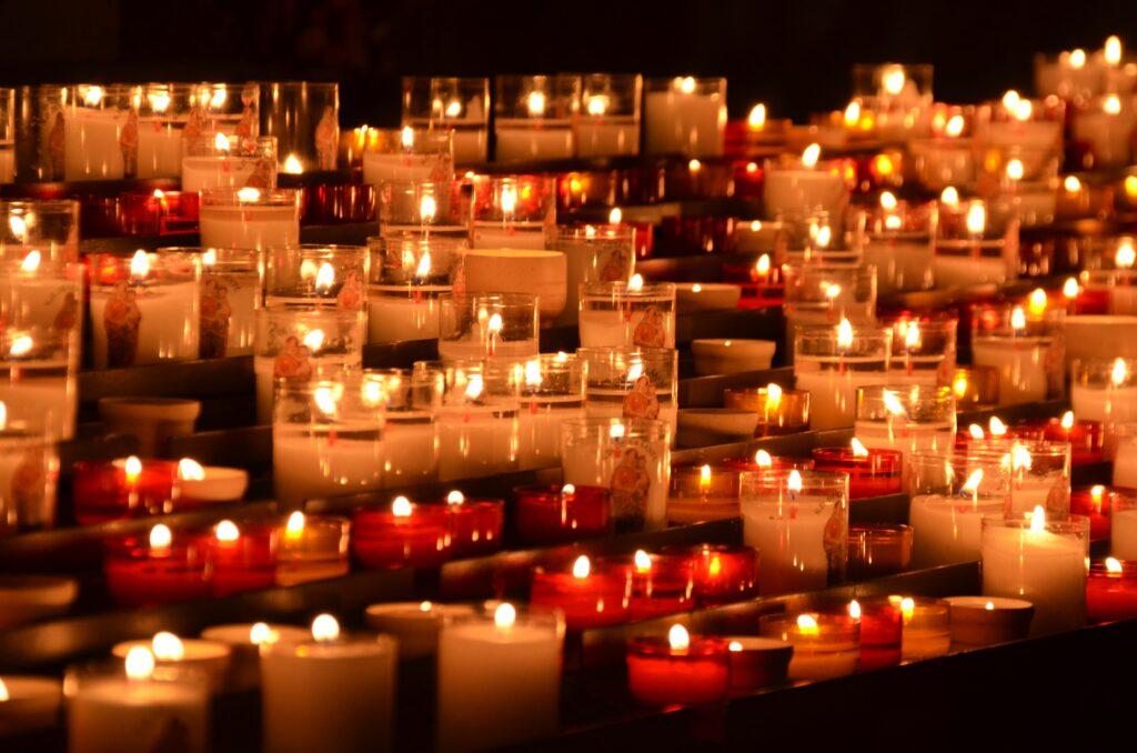 Flickering memorial candles